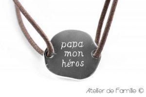 """Atelier de Famille, Bracelet Homme Jeton Irrégulier en Argent Massif """"Papa Mon Héros"""" (Argent Fin 925) de la marque Atelier de Famille image 0 produit"""