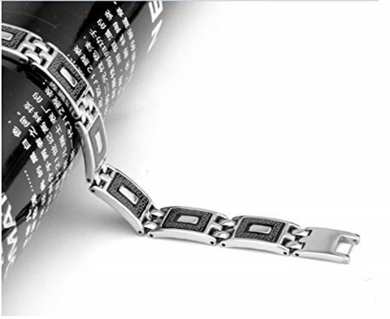 bracelet fin homme le top 15 pour 2018 bijoux pour homme. Black Bedroom Furniture Sets. Home Design Ideas