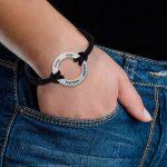 Bracelet Noir cercle infini avec 4 prénoms en Argent ! de la marque Bijoux Personnalisés image 1 produit