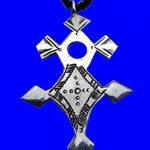 """Croix du Sud Touareg """"Inagabaret"""" en argent massif (""""teneghelt"""") avec collier à billes en Onyx TOU01 de la marque Bijoux Touaregs Coopérative """"La Gazelle du Désert"""" image 2 produit"""