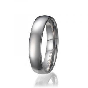La bande anneau de titane / de mariage de 8mm hommes avec incrustation de fibre de carbone de la marque ND Outlet - Titanium Rings image 0 produit