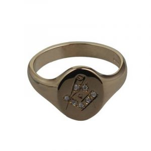 Or Jaune 9ct - 375/1000 - 14x12mm Chevalière homme gravé à la main serti diamant symbole maçonnique de jeu de la marque British Jewellery Workshops image 0 produit